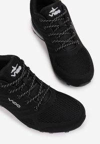 Born2be - Czarne Buty Sportowe Thespophia. Wysokość cholewki: przed kostkę. Nosek buta: okrągły. Zapięcie: sznurówki. Kolor: czarny. Materiał: materiał. Szerokość cholewki: normalna. Obcas: na płaskiej podeszwie