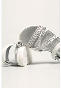 Białe sandały Liu Jo na klamry