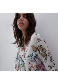 Reserved - Lekka koszula w kwiaty - Kremowy. Kolor: kremowy. Wzór: kwiaty