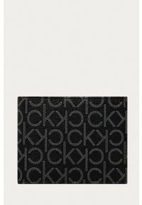 Calvin Klein Jeans - Portfel. Kolor: czarny. Materiał: materiał