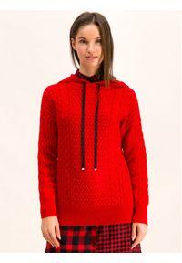 Czerwony sweter klasyczny Hugo