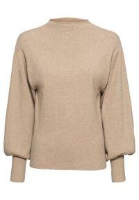 Sweter dzianinowy z balonowymi rękawami bonprix beżowy melanż. Typ kołnierza: kołnierzyk stójkowy. Kolor: beżowy. Materiał: dzianina. Wzór: melanż. Styl: elegancki