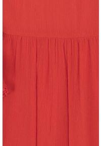 Czerwona bluzka Mayoral casualowa, z okrągłym kołnierzem, krótka, na co dzień