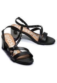 Czarne sandały Gioseppo na co dzień, casualowe, z aplikacjami
