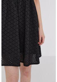 medicine - Medicine - Sukienka Essential. Kolor: czarny. Materiał: tkanina. Długość rękawa: krótki rękaw. Wzór: gładki. Typ sukienki: rozkloszowane
