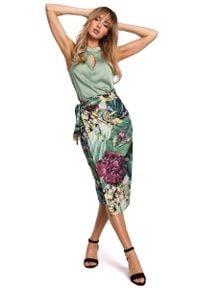 MOE - Midi Spódnica na Zakładkę w Duże Kwiaty - Model 2. Materiał: poliester, elastan. Wzór: kwiaty