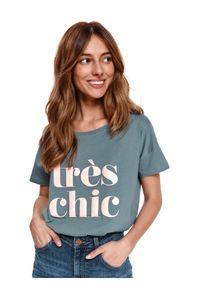 Zielony t-shirt TOP SECRET krótki, w kolorowe wzory, z krótkim rękawem