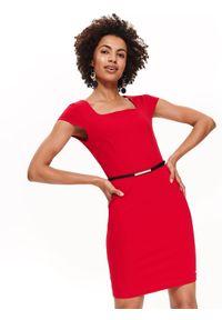 Czerwona sukienka TOP SECRET z klasycznym kołnierzykiem, klasyczna, do pracy, z krótkim rękawem