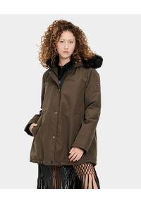 Ugg - UGG - Brązowa parka Bernice. Kolor: brązowy. Materiał: jeans, futro, materiał, syntetyk. Sezon: jesień, zima