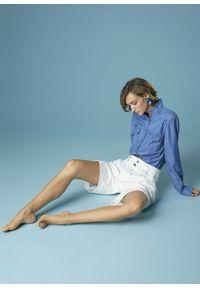 Jeansowa koszula z postrzępionym kołnierzykiem Alessia Santi. Kolor: niebieski. Materiał: jeans. Długość rękawa: długi rękaw. Długość: długie. Styl: klasyczny