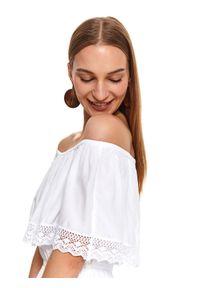 Biała sukienka TOP SECRET koszulowa, w koronkowe wzory