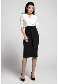 Czarna spódnica ołówkowa Nommo elegancka