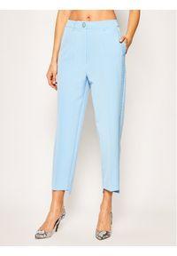 Niebieskie spodnie materiałowe Guess