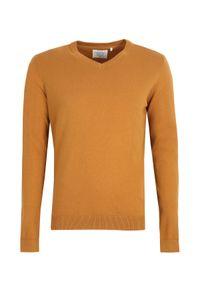 Żółty sweter TOP SECRET do pracy, casualowy, z dekoltem w serek