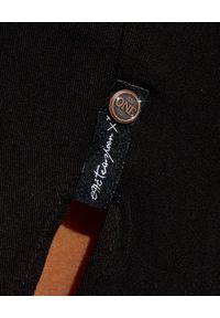 ONETEASPOON - Czarne spodenki z rozporkami. Stan: obniżony. Kolor: czarny. Materiał: wiskoza