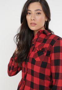 Born2be - Czarno-Czerwona Koszula Kaththise. Kolor: czarny. Długość rękawa: długi rękaw. Długość: długie. Wzór: gładki, aplikacja