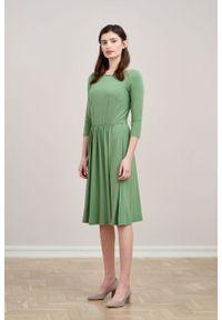 Marie Zélie - Sukienka Limosa zieleń wiosenna. Materiał: wiskoza, dzianina, materiał, elastan. Sezon: wiosna. Długość: midi