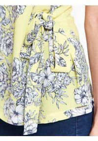 Żółta bluzka TOP SECRET na co dzień, z krótkim rękawem, casualowa