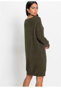 Sukienka dzianinowa bonprix nocny oliwkowy. Kolor: zielony. Materiał: dzianina, akryl, elastan, poliamid, materiał. Wzór: aplikacja. Długość: mini
