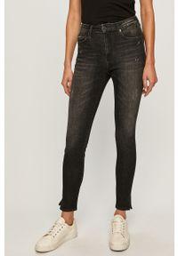 Szare jeansy Tommy Jeans w kolorowe wzory
