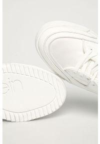 Białe sneakersy Calvin Klein z okrągłym noskiem, na sznurówki, z cholewką #4