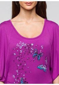Shirt z rękawami kimonowymi bonprix piwonia z nadrukiem. Kolor: fioletowy. Wzór: nadruk