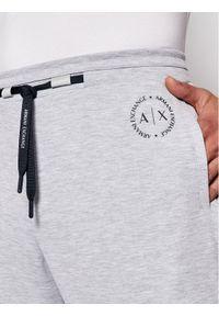 Armani Exchange Spodnie dresowe 8NZP91 Z9N1Z 3929 Szary Regular Fit. Kolor: szary. Materiał: dresówka