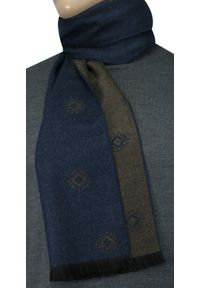 Niebieski szalik Adriano Guinari elegancki, na zimę