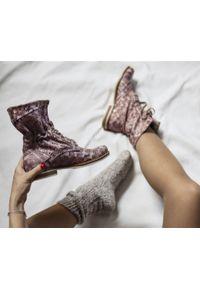 Różowe botki Zapato z cholewką za kostkę, na spacer, w kolorowe wzory