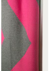 Różowy szalik ANSWEAR wakacyjny