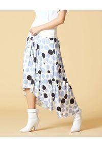 Manila Grace - MANILA GRACE - Asymetryczna spódnica z szerokim pasem. Kolor: biały. Materiał: wiskoza. Długość: długie. Wzór: nadruk, aplikacja