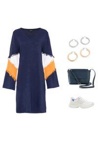 Sukienka dzianinowa z frędzlami bonprix ciemnoniebiesko-wielbłądzia wełna - biały. Typ kołnierza: dekolt w serek. Kolor: niebieski. Materiał: dzianina, wełna