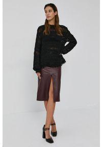 Nissa - NISSA - Sweter. Kolor: czarny. Materiał: dzianina. Długość rękawa: długi rękaw. Długość: długie. Wzór: ze splotem