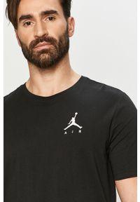 Czarny t-shirt Jordan casualowy, z nadrukiem, na co dzień