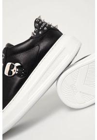 Czarne sneakersy Karl Lagerfeld na sznurówki, na średnim obcasie, z okrągłym noskiem