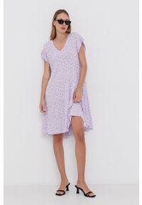 Haily's - Sukienka. Okazja: na co dzień. Kolor: fioletowy. Materiał: tkanina. Długość rękawa: krótki rękaw. Typ sukienki: proste. Styl: casual