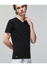 Lacoste - LACOSTE - Czarny t-shirt bawełniany 3-pack. Typ kołnierza: dekolt w serek. Kolor: czarny. Materiał: bawełna. Wzór: haft