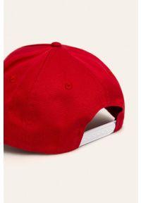 Czerwona czapka z daszkiem Calvin Klein Jeans