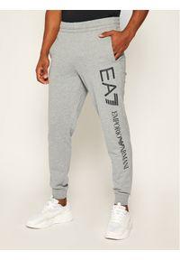 EA7 Emporio Armani Spodnie dresowe 8NPPC1 PJ05Z 3900 Szary Regular Fit. Kolor: szary. Materiał: dresówka