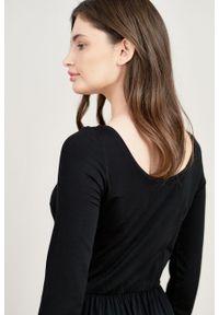Marie Zélie - Sukienka Limosa czarna mikromodal. Kolor: czarny. Materiał: wiskoza, dzianina, elastan, włókno, skóra. Długość: midi