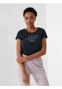 4f - T-shirt basic regular z nadrukiem damski. Kolor: niebieski. Materiał: dzianina, bawełna. Wzór: nadruk