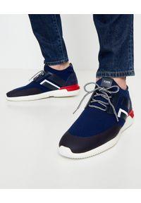 TOD'S - Granatowe sportowe sneakersy. Kolor: niebieski. Materiał: tkanina, zamsz, jeans, guma