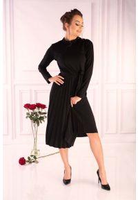 Czarna sukienka dzianinowa Merribel
