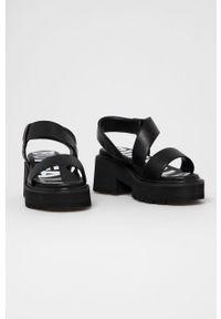 Czarne sandały Buffalo gładkie, na obcasie, na średnim obcasie