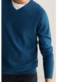 Niebieski sweter Mango Man