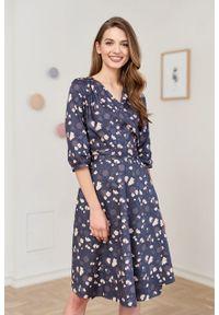 Marie Zélie - Sukienka Duilin Pellucida granatowa. Kolor: niebieski. Materiał: bawełna, satyna, skóra, materiał. Typ sukienki: kopertowe. Styl: klasyczny