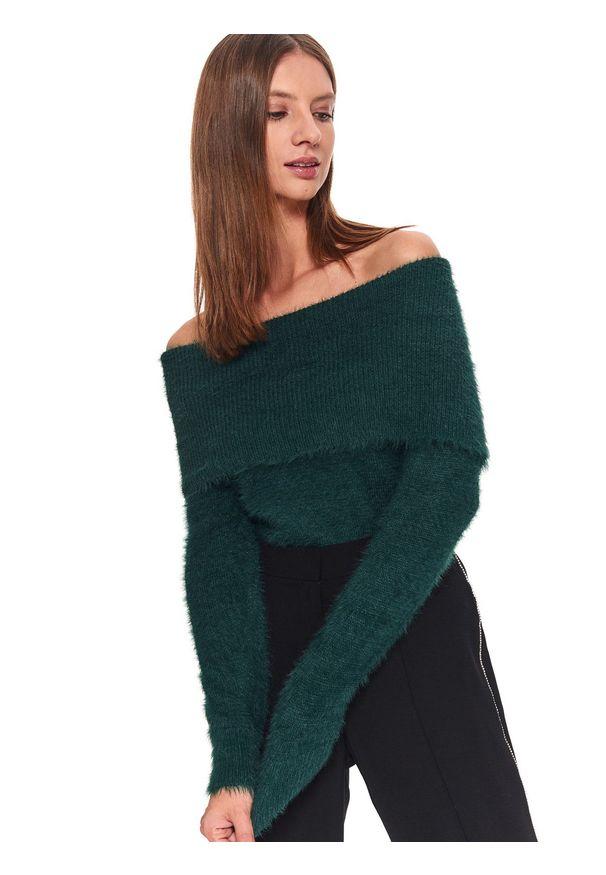 Zielony sweter TOP SECRET na co dzień, długi, w kolorowe wzory, z golfem
