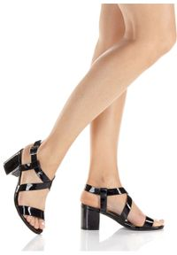 Czarne sandały bonprix na obcasie, z paskami