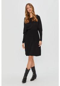 Czarna sukienka MAX&Co. casualowa, rozkloszowana, mini, z okrągłym kołnierzem
