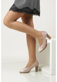 Pitillos - Czółenka pitillos 1655. Kolor: różowy. Materiał: skóra, materiał. Szerokość cholewki: normalna. Obcas: na obcasie. Styl: klasyczny. Wysokość obcasa: średni